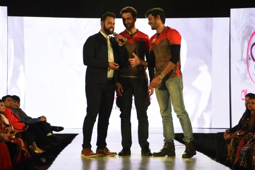 'Ahmedabad Express' owner Nandish Sandhu and player Mrunal Jjain of 'BCL' interact with host Andy