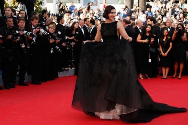 Sonam Kapoor at Cannes 2014.jpg