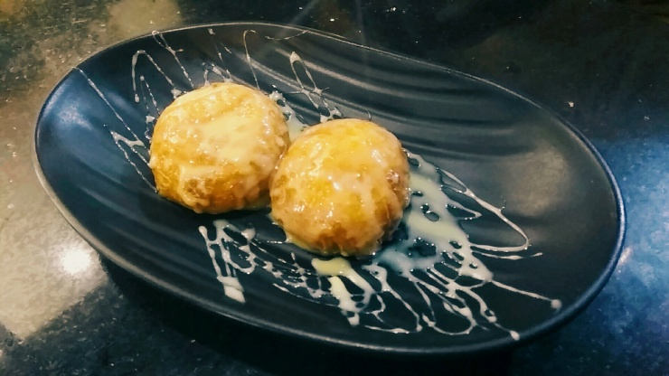 Deep fried oreos at Cafe Bistro at Coffee Break, Bandra West