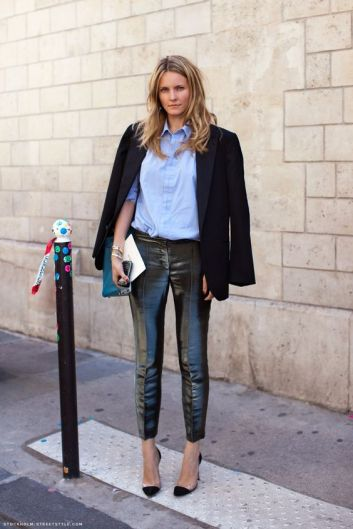 Blazer over Shoulder fashion trend