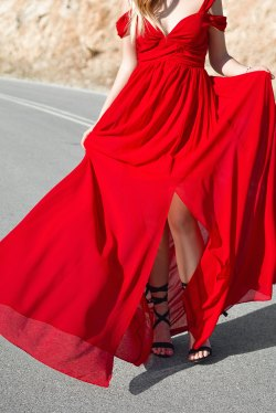 Red evening gown - Finding perfect evening dress for women
