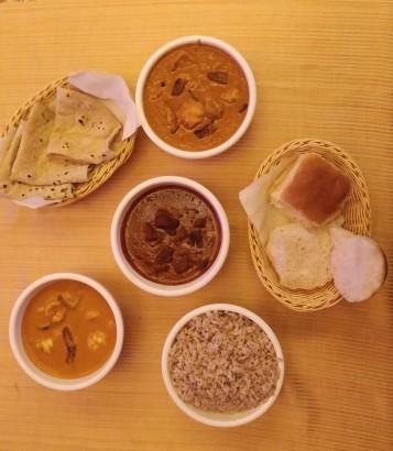 Main course at Goa Portuguesa, Mahim